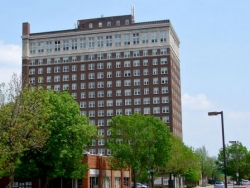 Le Claire Apartments